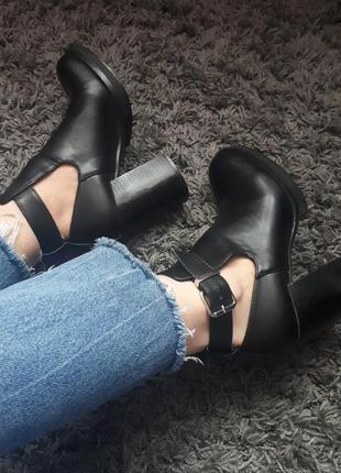 Женские ботинки pull&bear