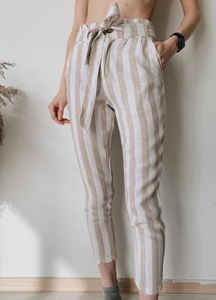 Бежевые лёгкие брюки из льна