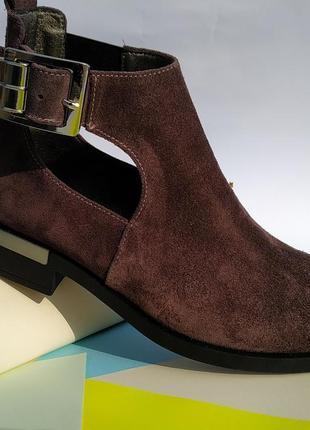 Шикарные женственные ботиночки на широком удобном каблуке🍎