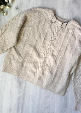 Классный свитер объёмный и мягкий