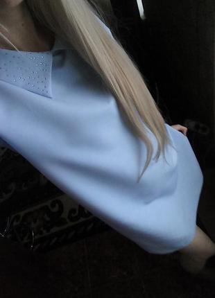 Стильное платье воротничек