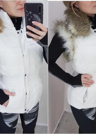 Стильная жилетка moda int с мехом