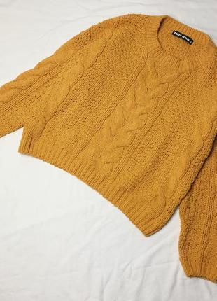 Желтый велюровый свитер