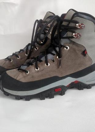 Трекінгові демісезонні черевики трекинговые демисезонные ботинки adidas оригинал