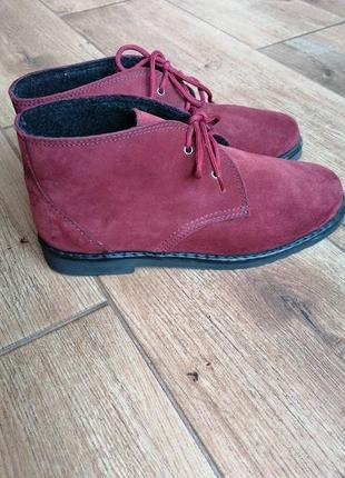 Классные ботинки дезерты inblu