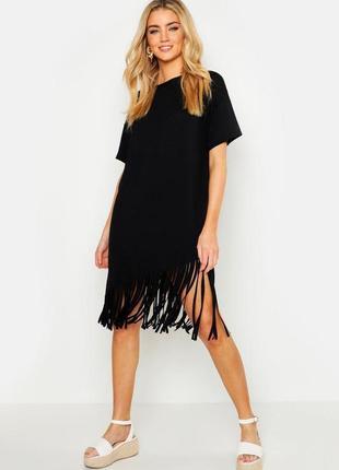 Черное платье-футболка с бахрамой от boohoo. размер оверсайз 46-48 новое.
