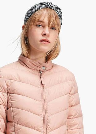 Пудровая стеганая куртка stradivarius