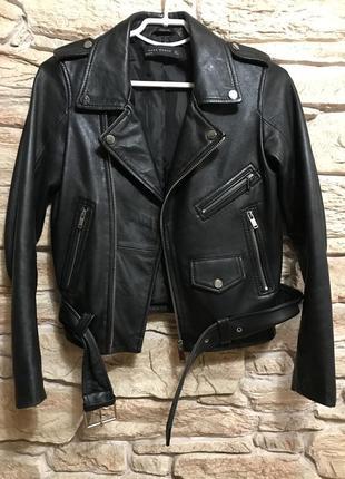 Актуальная косуха куртка zara кожа натуральная ремень