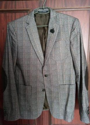 Очень крутой пиджак мужской dolce & gabbana ( не оригинал )