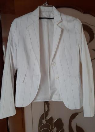 Пиджак приталеный