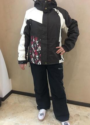 Яркий горнолыжный костюм/ лыжный костюм/ лижний костюм