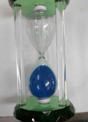 Часы песочные в стеклянном корпусе