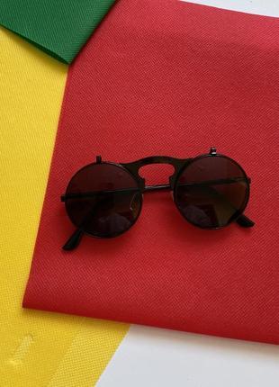 Стильные солнцезащитные очки spice