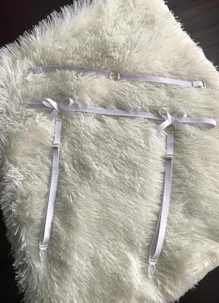 Эротичный набор подвязка для чулков и чокер