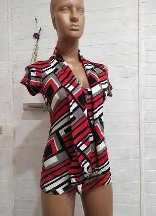 Красивая,эластичная блузка с шарфикам воротником