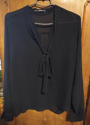 Блуза с бантом.