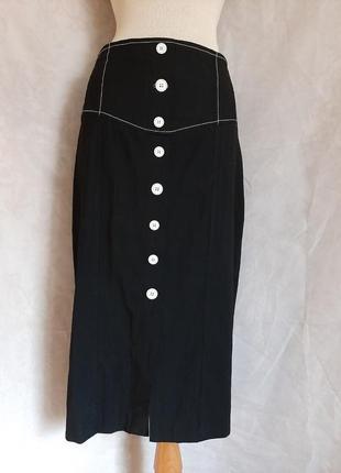 Чёрная юбка с белой отстрочкой на кокетке, м.