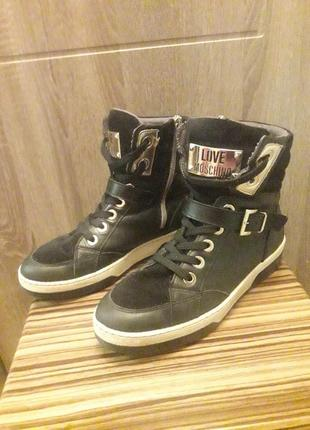 Love moschino кожаные деми ботинки