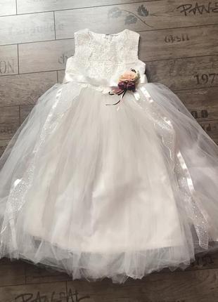 Нарядное платье для выпускного, свадьбы