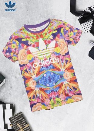 Футболка в яркий принт adidas