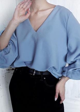 Рубашка блузка с объёмными рукавами с декольте бирюзового цвета