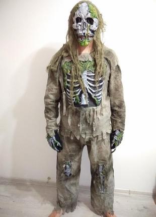 Классный костюм скелета.  скелет на хэллоуин. взрослый костюм скелета.