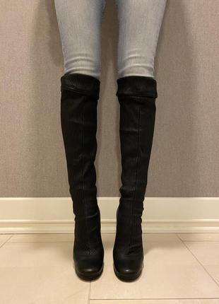 Сапоги dolce & gabbana чёрные длинные на каблуке кожаные
