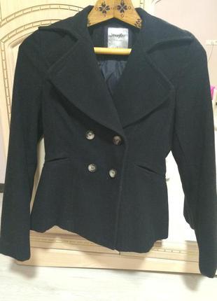 Черное пальто пиджак jennyfer