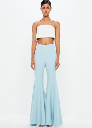 Роскошные небесно-голубые супер-расклешенные брюки высокая талия peace+love by missguided
