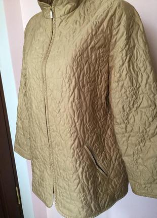 Бежевая легкая немецкая стёганная курточка/l/xl/  brend delmod