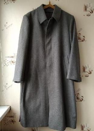 Классическое шерстяное пальто с поясом 54 раз.