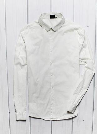 Приталенная рубашка от бренда asos.