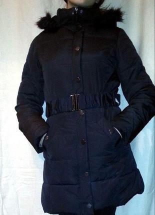 Теплая зимняя куртка с капюшоном