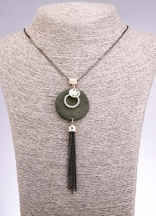 Колье подвес на цепочке с зеленым медальоном из эко кожи