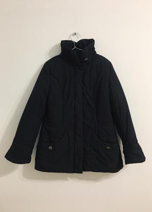 Приталенная утепленная куртка черного цвета snow beauty удобная черная куртка пуховик