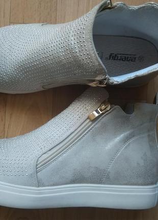 Новые и стильные ботинки- хайтопы vera pelle р. 6/39