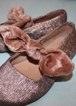 Очень красивые туфельки zara размер 24