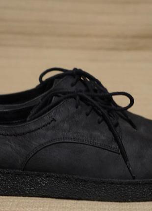 Классные кожаные спортивные туфли на кроссовочной подошве clarks 37 р. ( 23,5 см.)