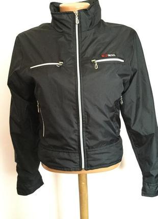Короткая курточка от бренда diesel- m