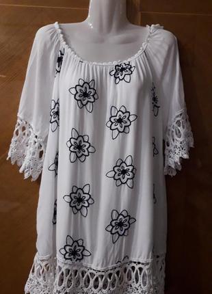 Вышивка кружево  100% вискоза  красивая блуза.