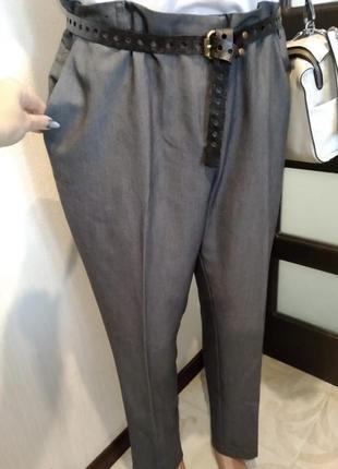 Отличные базовые серые зауженные брюки штаны