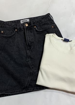 Джинсовая юбка трапецией с завышенной талией