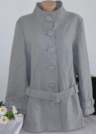 Брендовое серое шерстяное демисезонное пальто с поясом и карманами большой размер