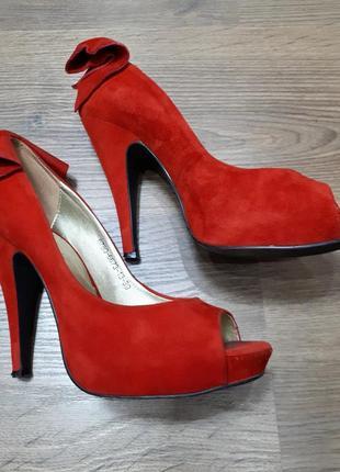 Замшевые туфли с открытым носком avante moda