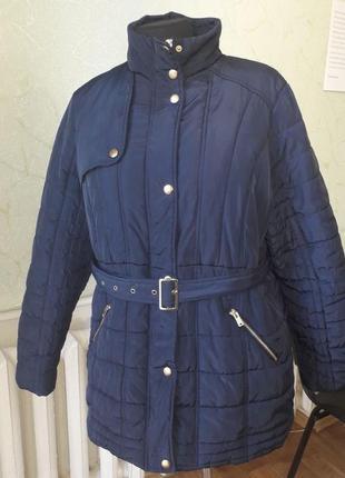 Стильная весенняя стёганая куртка большого размера