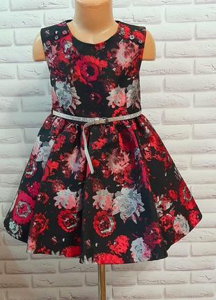 Нарядное цветочное  красивое платье