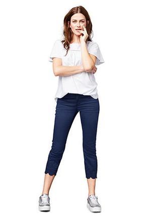 Качественные стрейч джинсы размер s с вышивкой длина 7/8 от tchibo германия
