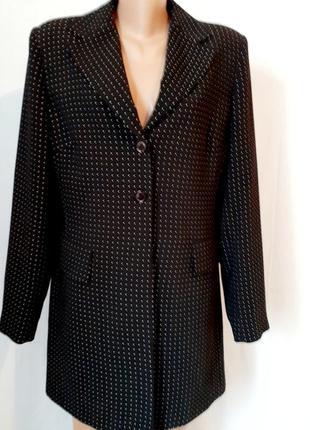 Удлинённый пиджак в мелкую точку разм л-хл италия