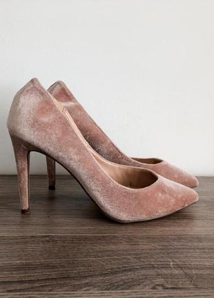 Невероятные бархатные пудовые туфли/лодочки на каблуке dorothy perkins