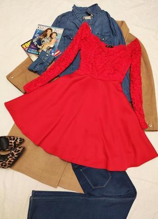 Красное алое платье кружевное со свободной юбкой длинный рукав nly one